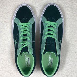 NWOT Men's Green Suede Converse One star Sneakers